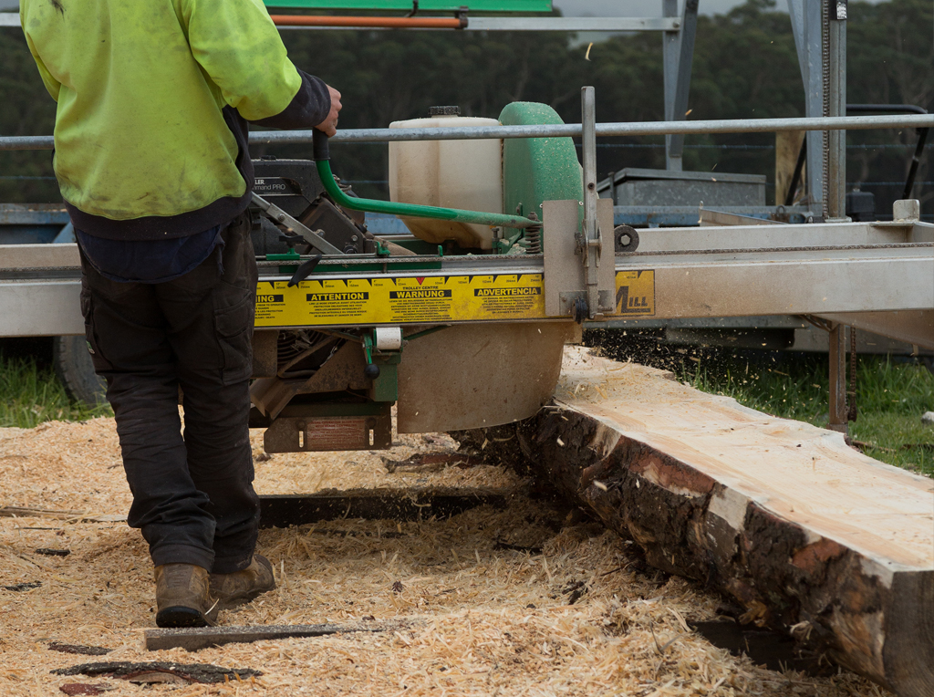 Milling timber palings in South Gippsland