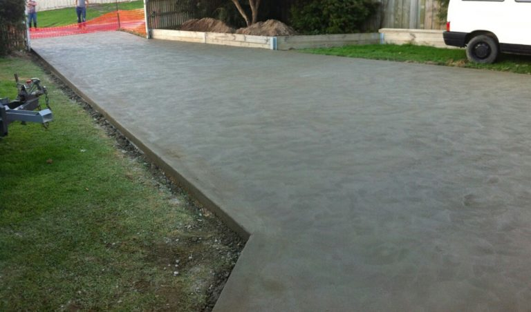 Plain concrete driveway in Foster, South Gippsland